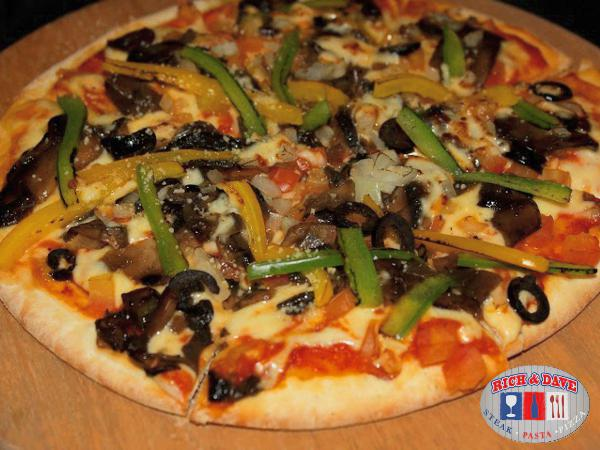 RM15 OFF for 10 inches Pizza @Rich & Dave-D' Cafe & Steak House(Worth RM23.90)