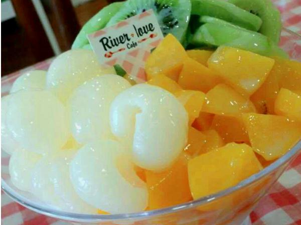 20% OFF for Kiwi Ice Tower @River Love Caf�(Worth RM15.90)