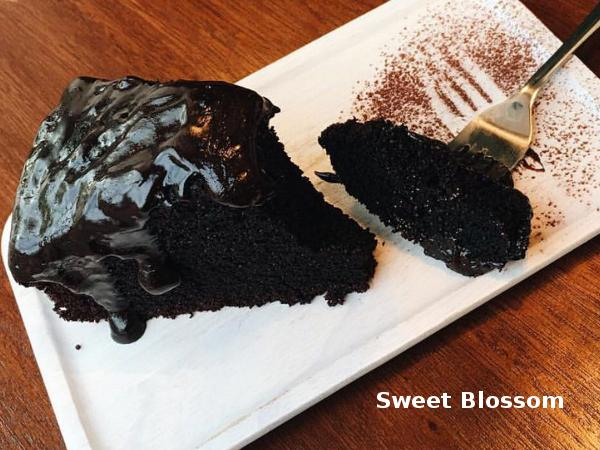 20% off Devil Chocolate Cake Upon Purchase of Coffee @ Sweet Blossom Coffee Roasters (Worth RM13)